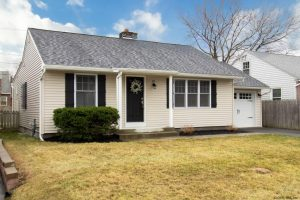 ALBANY: COMPLETELY RENOVATED 3 BDR RANCH LOCATED IN QUIET NEIGHBORHOOD photo