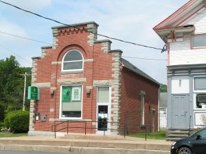 WORCESTER: UNIQUE BRICK & STONE WITH VAULT, IDEAL FOR SMALL BUSINESS, LIVING RESIDENCE photo