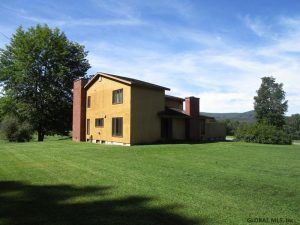 SCHOHARIE: QUALITY CONTEMPORARY ON 11 SCENIC ACRES, CLOSE TO TOWN YET LOVELY COUNTRY VIEWS photo